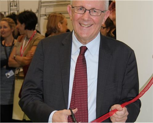 Sir Hugh Taylor opens the Dental Centre