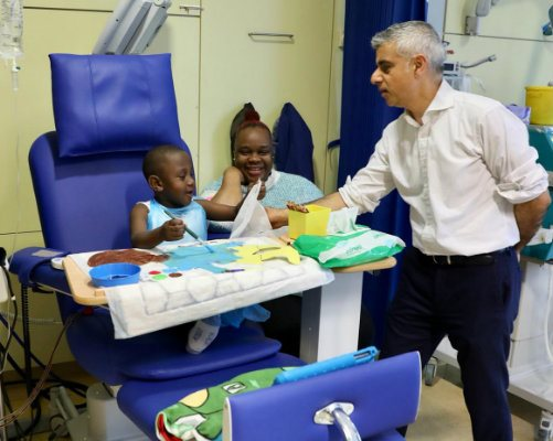 The Mayor of London meeting a patient.